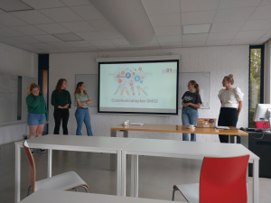 Dutch Students present at sMS 2 Days